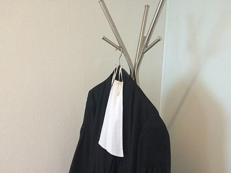 wieszak na ubrania stojący